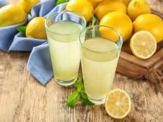 10 نوشیدنی برای رفع گرمازدگی در تابستان