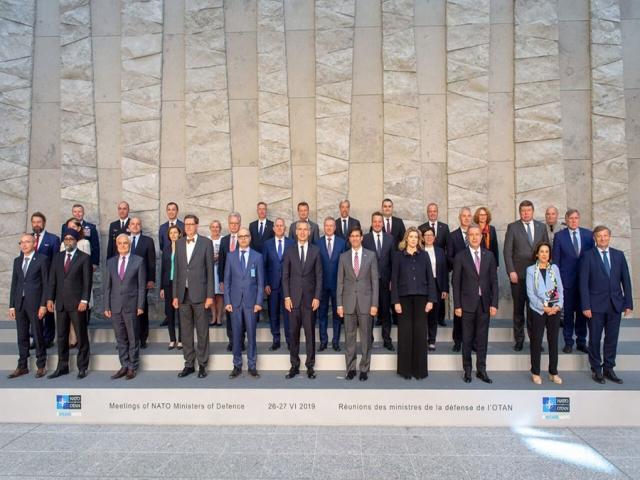 هشدار فرانسه به آمریکا درباره ورود ناتو به خلیج فارس