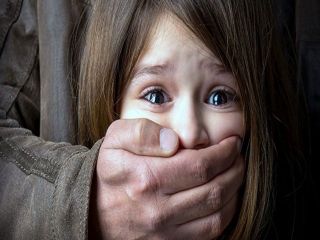 حال عمومی کودک آزار دیده در بوشهر خوب است