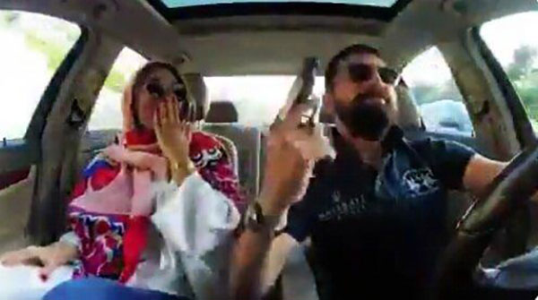 واکنش پلیس به فیلم مسلحانه محسن افشانی و همسرش - Police reaction to armed film of Mohsen Afshani and his wife