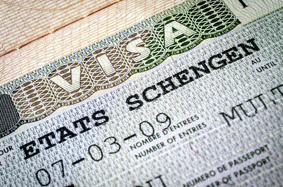 ممنوعیت تبلیغ «اخذ ویزای تضمینی» - Prohibition of obtaining a guaranteed visa