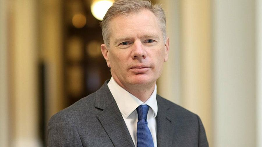 سفیر انگلیس به وزارت خارجه ایران احضار شده است یا نه - The British ambassador has been summoned to the Iranian Foreign Ministry or not
