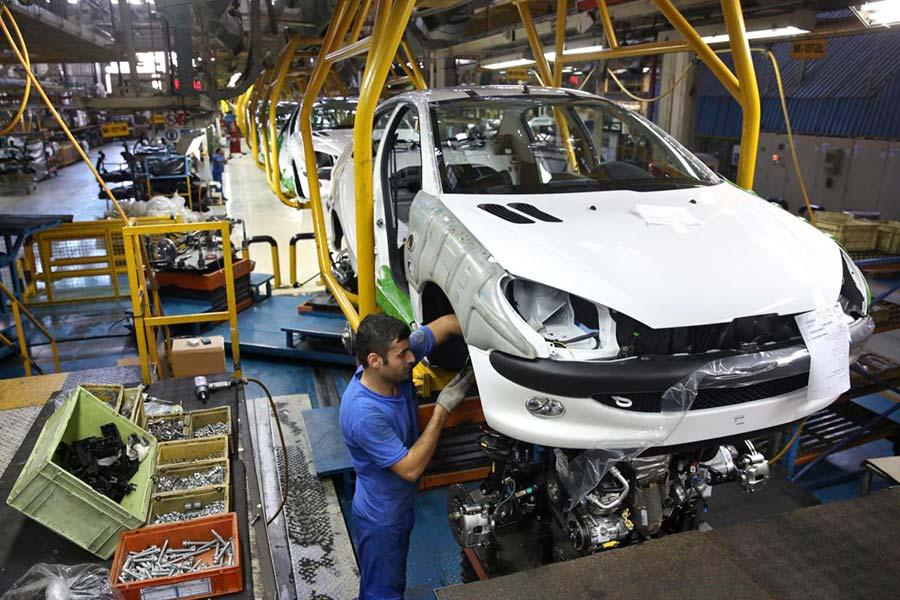 مجلس درباره قیمت خودرو جلسه غیر علنی تشکیل داد - The parliament convened a close meeting on car prices