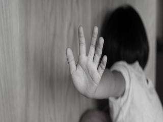 حادثه کودک آزاری در قزوین / فرو بردن کلید منزل در سر کودک توسط مادرش