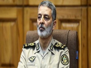 فرمانده ارتش : تکیه ما صرفاً بر دفاع نخواهد بود
