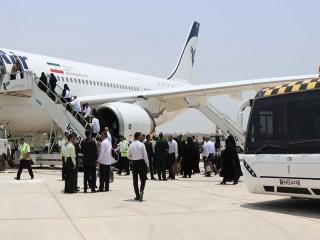 بدرقه کنندگان حجاج در منزل خداحافظی کنند نه در فرودگاه