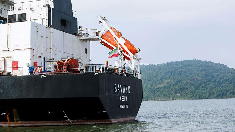 به کشتیهای ایرانی سوخت رسانی می کنیم - We refuel Iranian ships