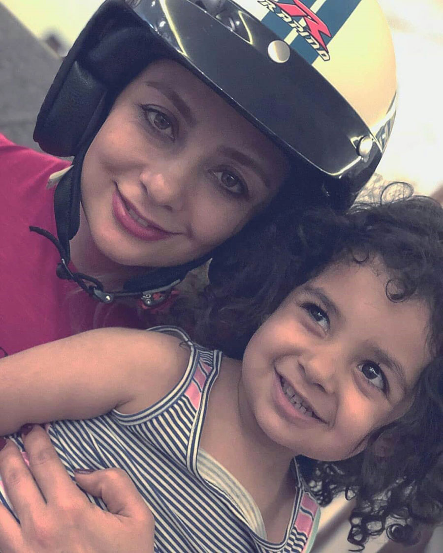 عکس یکتا ناصر و دخترش در حال موتورسواری
