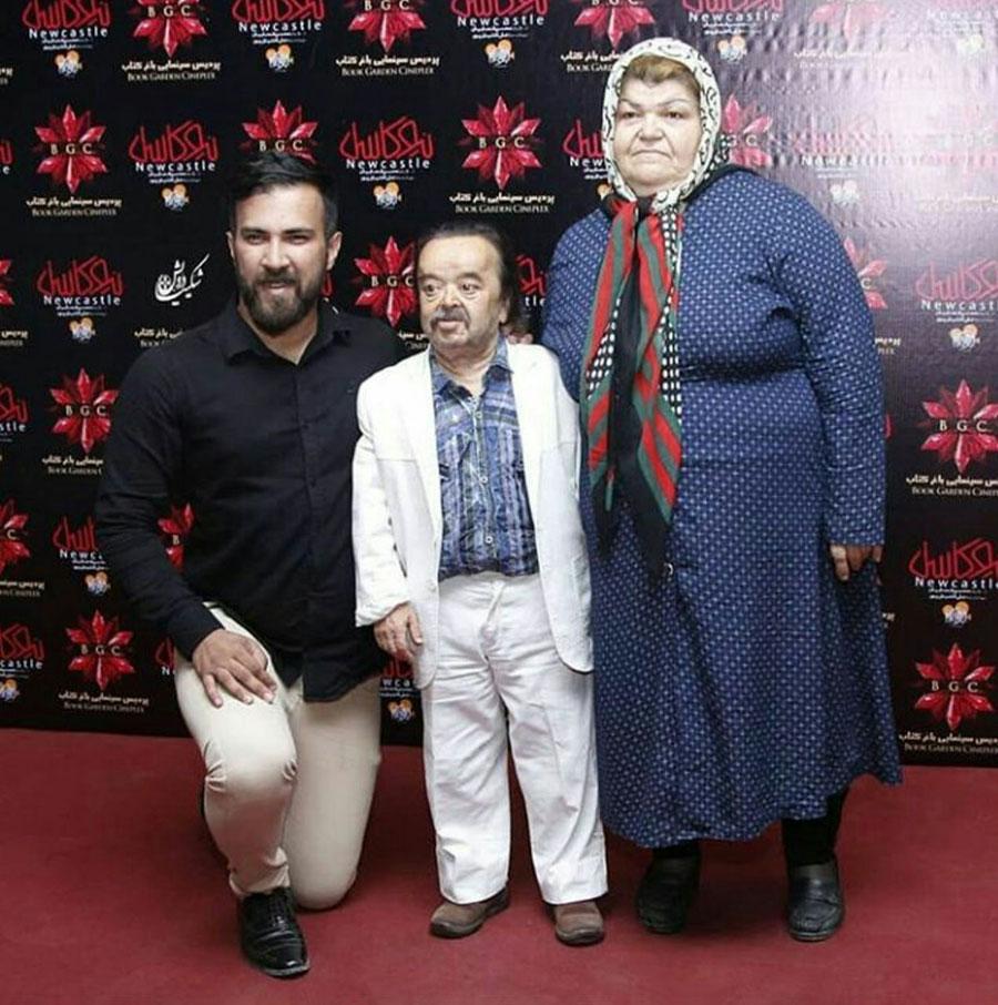 اسد الله یکتا با در کنار همکارش حامی جهانی در اکران خصوصی فیلم نیوکاسل