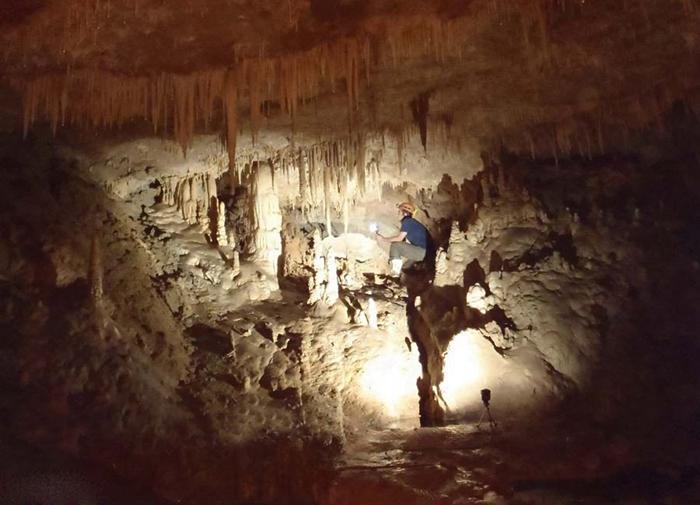 غار آبی دانیال در متل قو