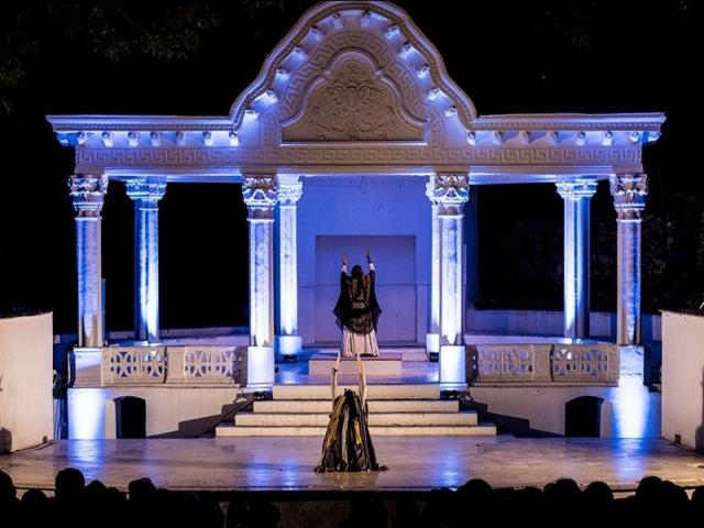 اجرا های سنتی و تلفیقی در کاخ سعدآباد