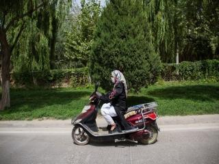 موتوروسواری و گواهینامه موتور برای زنان قانونی است یا خیر؟