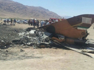 سقوط یک هواپیمای جنگی در ساحل تنگستان بوشهر