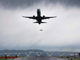 طوفان باعث لغو دو پرواز در فرودگاه زابل شد