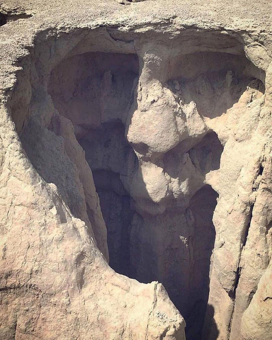 چهره شگفت انگیز پیرمرد روی صخره دره ستارگان عارضه ای طبیعی و بسیار زیبا در قشم
