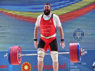 شکست مطلق وزنه برداری ایران در مسابقات جهانی
