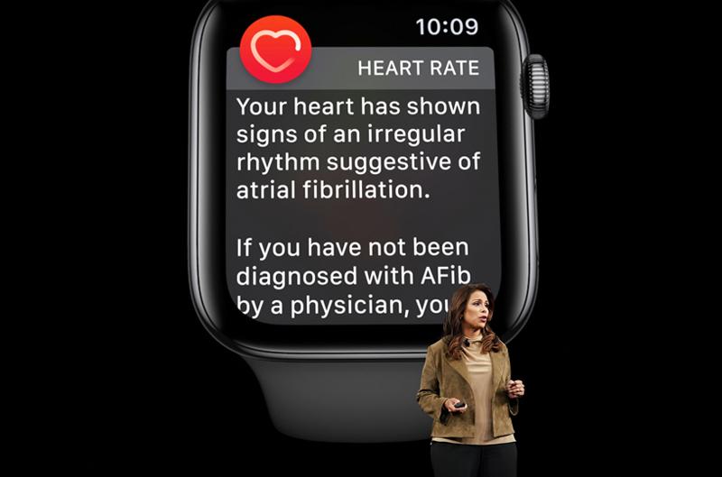 دکتر سمبل دسای همکاری اپل را با چند موسسه علمی پزشکی برای تحقیق بهداشتی در زمینه شنوایی، سلامت زنان، سلامت قلب و حرکت را اعلام کرد.