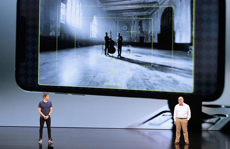 شان بکر و کریستوفر کوهن، رییس اجرایی FiLMiC در حال معرفی دوربینهای iPhone 11