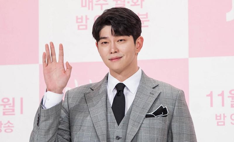 Yoon Gyun Sang در نقش Ki Moo Hyuk / Ki Kang Je