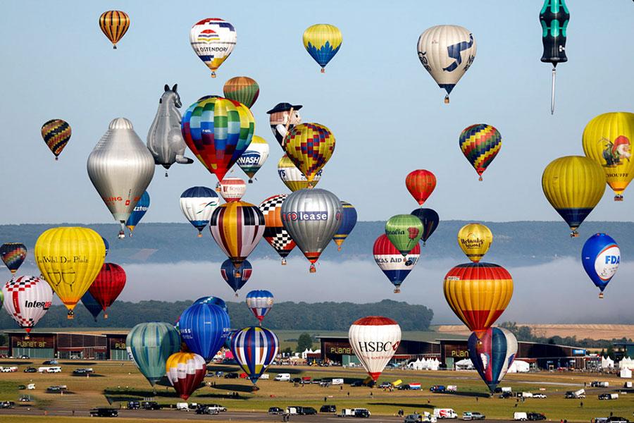 جشنواره بزرگ بالن های هوایی در چمبلی فرانسه