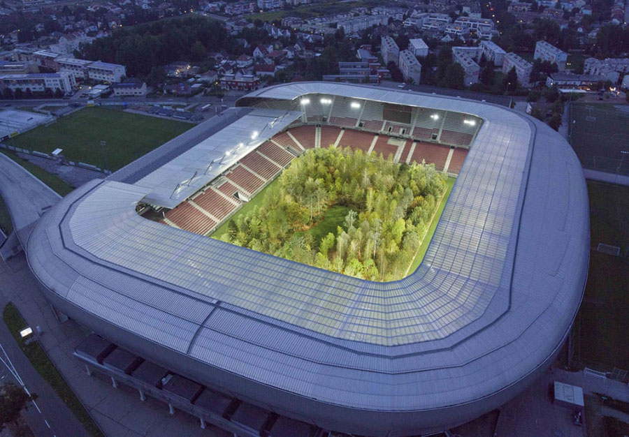 تبدیل موقت استادیوم باشگاهی در اتریش به جنگل