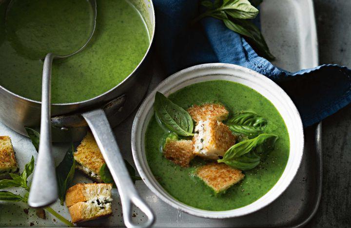 تزیین سوپ اسفناج