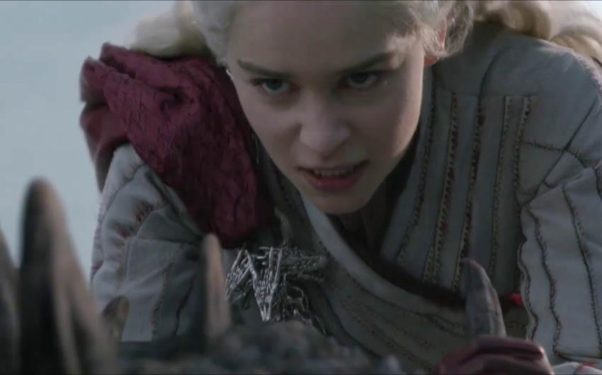 امیلیا کلارک در نقش دنریس تارگرین