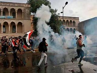 تجمع در مقابل کنسولگری ایران در کربلا