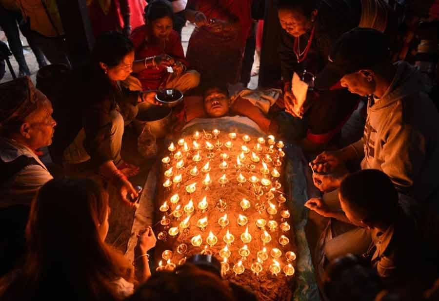 اجرای آیینهای جشنواره داشاین در شهر باختاپور نپال