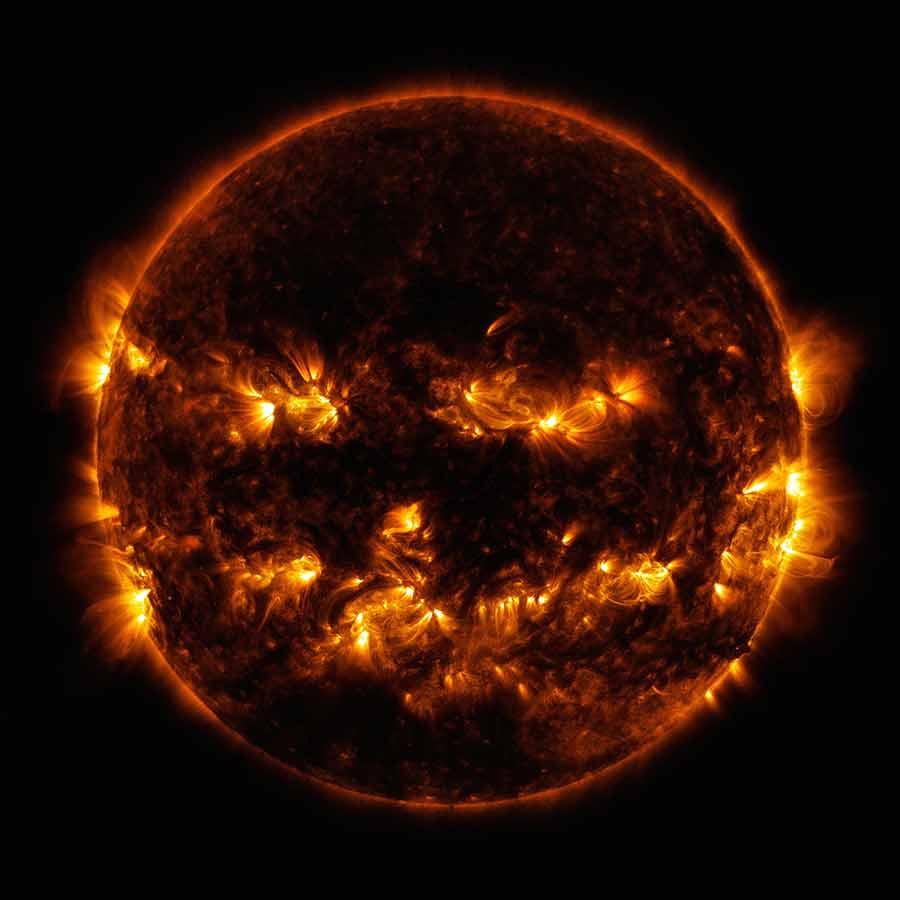 ناسا تصویری از خورشید منتشر کرده که آن را مانند یک کوره آتش نشان میدهد