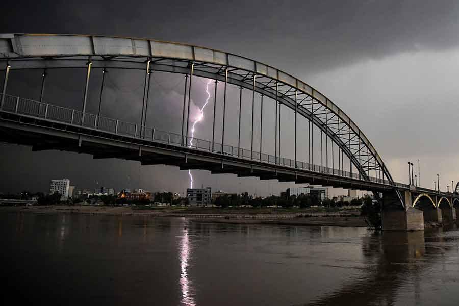 طوفان و بارش شدید باران در اهواز