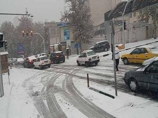 مدارس مناطق 1 تا 3 و 22 تهران در نوبت عصر تعطیل شد