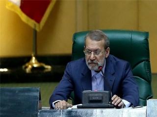 لاریجانی : باید فشار از مردم برداشته شود