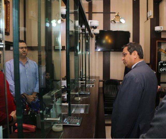 هشدار عبدالناصر همتی به مردم برای حفظ سرمایههای خود - Hemmati alert to people to maintain their investments