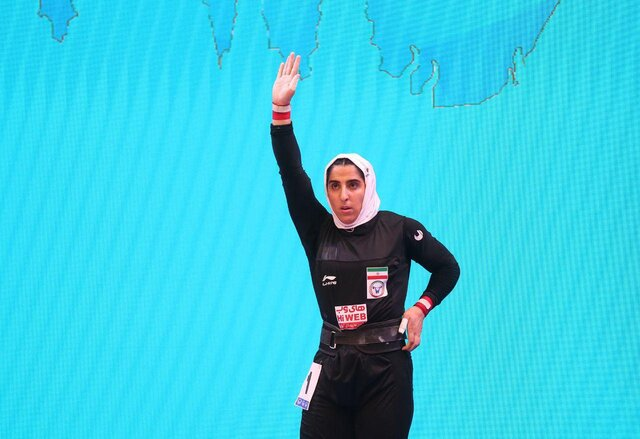 اولین مدال بانوی وزنه بردار ایران - first medal for iranian woman weightlifter