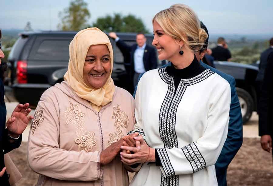 دیدار یک کشاورز مراکشی با ایوانکا ترامپ دختر و مشاور رییس جمهوری آمریکا در جریان سفر ایوانکا به استان سیدی قاسم مراکش