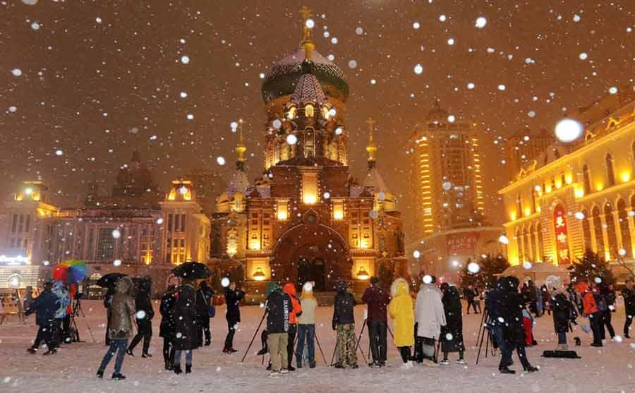 نخستین برف پاییزی در شهر هاربین چین