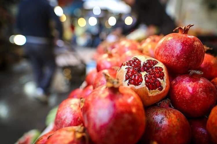 قیمت هندوانه و انار در شب یلدا - Prices of pomegranate and watermelon at Yalda Night
