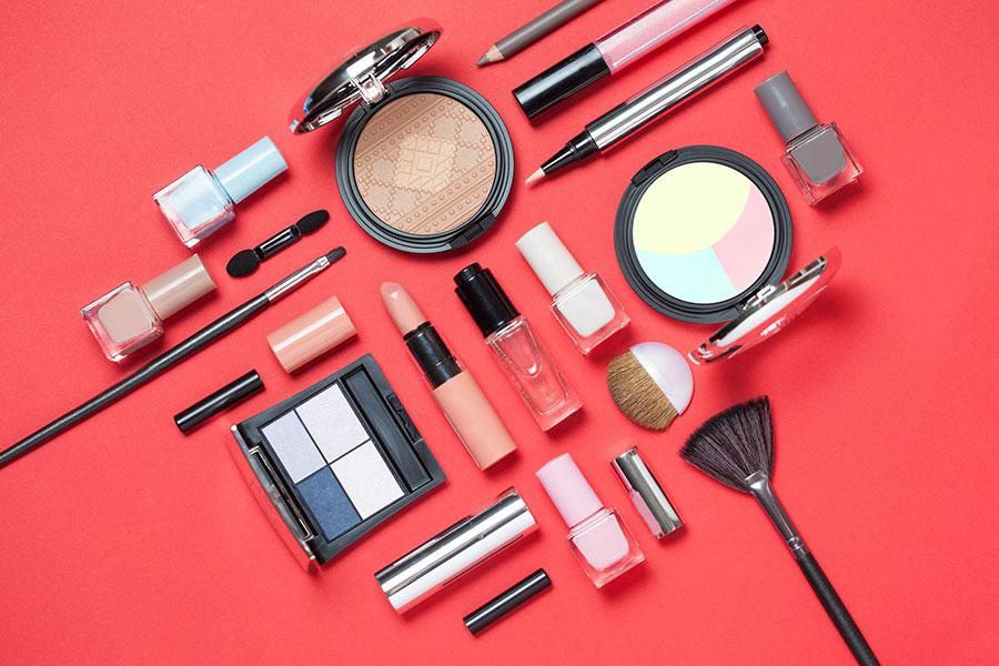 صنعت آرایشی بهداشتی کشور 4.5 درصد رشد کرده است - The country's cosmetics industry has grown 4.5 percent