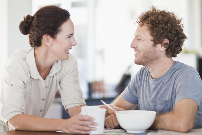 با بدن تان به صحبت های همسر خود گوش دهید-Listen to your spouse's talk with your body