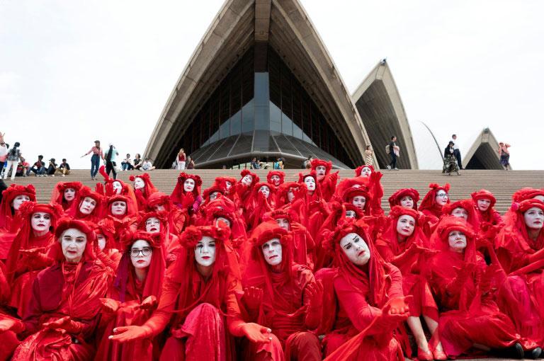 تظاهرات گروه فعال محیط زیستی شورش علیه انقراض در سیدنی استرالیا