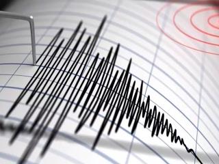 زلزله ای به بزرگی 5.1 ریشتر دقایقی پیش شیراز را لرزاند