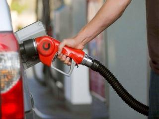 سهمیه بنزین خودروها امشب واریز می شود