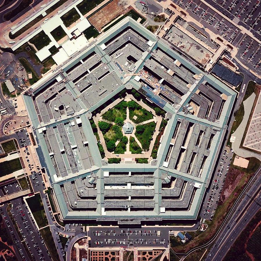 پنتاگون ، مرکز و مقر فرماندهی وزارت دفاع ایالات متحده آمریکا - The Pentagon