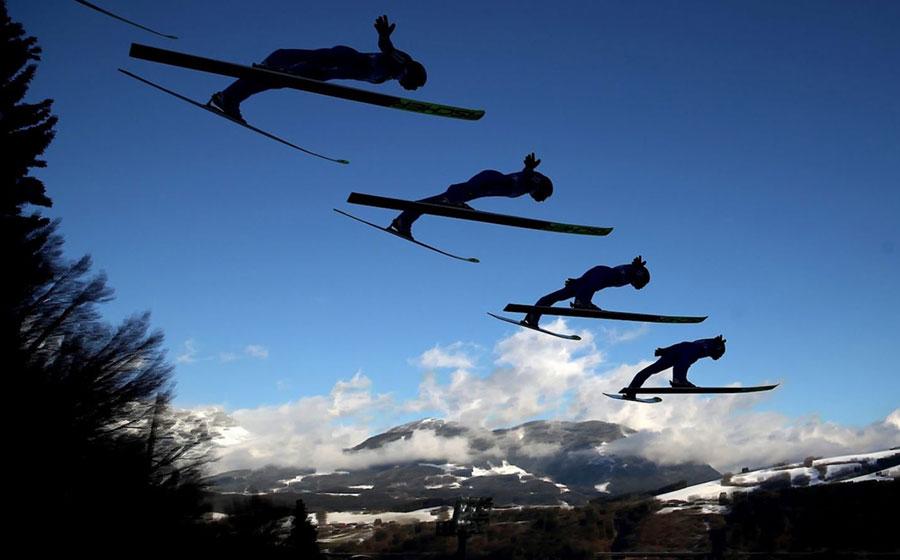 تصویر شکار شده از اسکی پرش در جام جهانی اسکی اتریش
