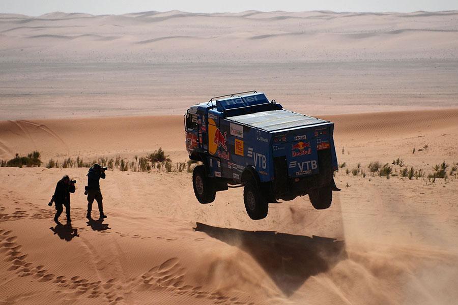 مرحله ششم مسابقات اتومبیلرانی رالی داکار در عربستان سعودی