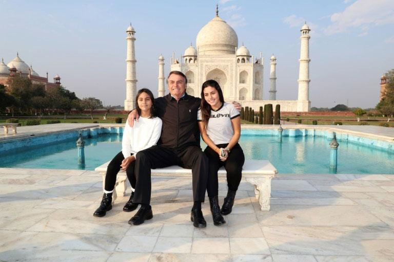 بازدید رییس جمهوری برزیل با دختر و عروسش از عمارت تاج محل در ایالت آگرا هند