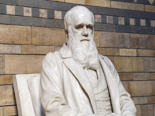 12 فوریه ، زادروز چارلز داروین (بنیانگذار نظریهی فرگشت)
