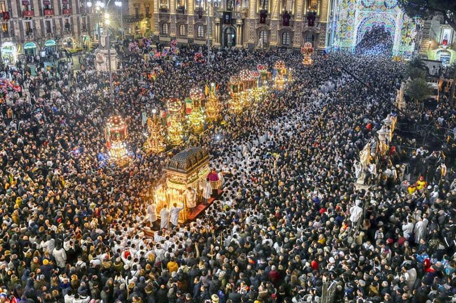 جشنواره 3 روزه مذهبی در شهر کاتانیا ایتالیا