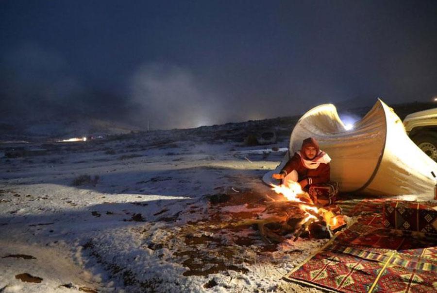 بارش برف کمسابقه در صحرای تبوک عربستان سعودی